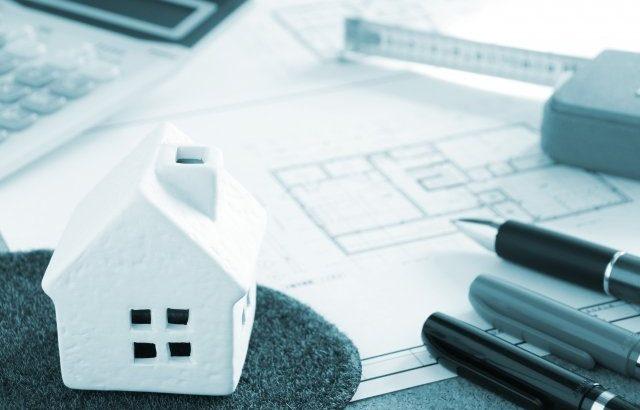 土地家屋調査士とは何か、年収は?試験の難易度を宅建・行政書士と比較